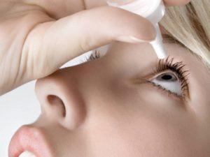 lacrime artificiali contro secchezza oculare