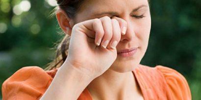 Scarsa lacrimazione e lenti a contatto?