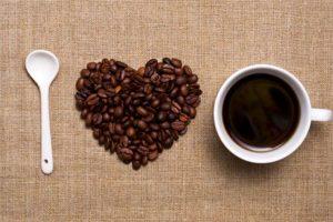 caffè protegge dalla degenerazione retinica